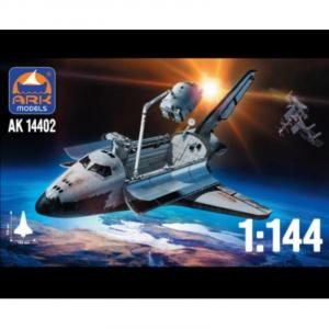 Ark Models 14402 Wahadłowiec Buran model 1-144