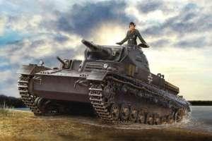 German Panzerkampfwagen IV ausf. D Tauchpanzer model in 1-35