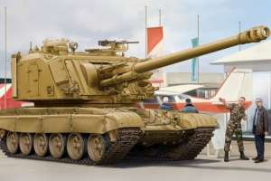 GCT 155mm AU-F1 SPH Based on T-72 model in scale 1-35