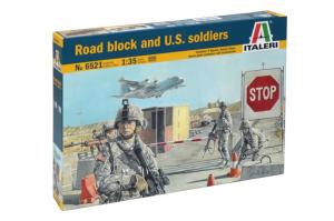 Road block and U.S. soldiers model Italeri 6521 in 1-35