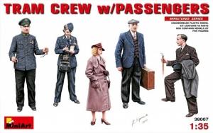 Tram Crew with Passengers model MiniArt 38007 in 1-35
