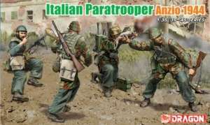 Italian Paratroopers (Anzio 1944) model Dragon in 1-35
