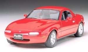 Mazda Eunos roadster in scale 1-24 Tamiya 24085