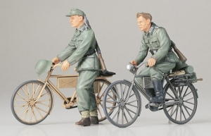 Model Tamiya 35240 German Soldiers with Bicycles