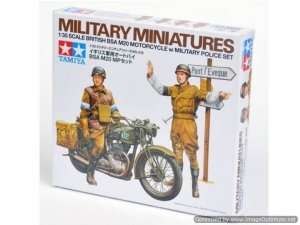 British BSA M20 Motorcycle w/military police set in scale 1-35