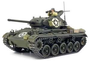 U.S. Light Tank M24 Chaffee model Tamiya in 1-35