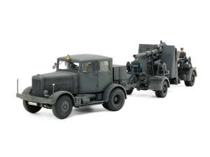 German Heavy Tractor SS-100 and 88mm Gun Flak37 Set