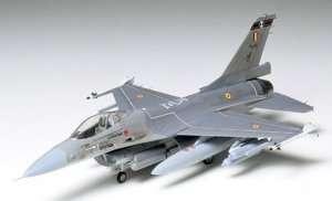 Tamiya 60701 Fighter F-16