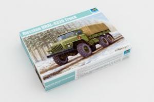 Russian URAL-4320 Truck model Trumpeter 01012 in 1-35