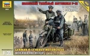 German R-12 Heavy Motorcycle with rider in scale 1-35 Zvezda 3632