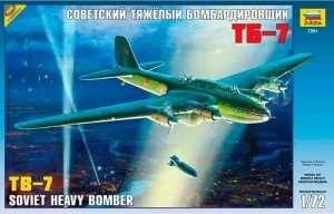 Soviet bomber TB-7 model Zvezda 7291 in 1-72