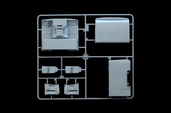 plastikowy-model-ciezarowki-volvo-fh-16-520-sleeper-cab-do-sklejania-sklep-modeledo-image_Italeri_3907_8