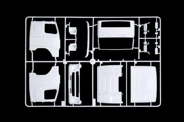 plastikowy-model-ciezarowki-volvo-fh-16-520-sleeper-cab-do-sklejania-sklep-modeledo-image_Italeri_3907_3