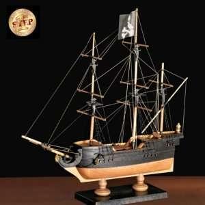 Amati 60001 Okręt piracki drewniany model 1:135