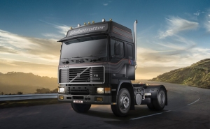 Ciężarówka Volvo F-16 Globetrotter Italeri 3923