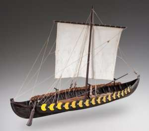D006 Viking Gokstad - drewniany model łodzi w skali 1-35
