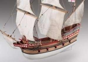 D017 Galeon Golden Hind - drewniany model w skali 1-72