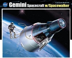 Dragon 11013 Gemini Spacecraft with Spacewalker