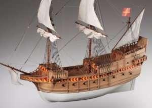 Drewniany model galeonu San Martin w skali 1-72 D018