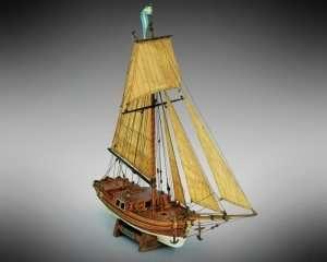 Gretel Mamoli MV33 drewniany model jachtu 1-54