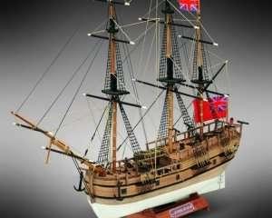 HMS Endeavour - Mamoli MM18 - drewniany model w skali 1-143