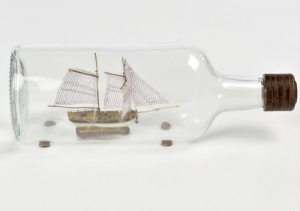 Hannah - okręt w butelce - Amati 1355 - drewniany model