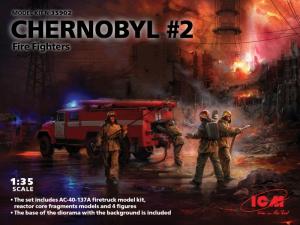 ICM 35902 Zestaw Czarnobyl - wóz strażacki i strażacy