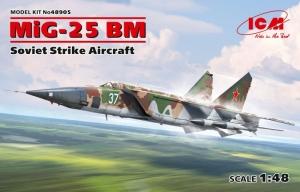 ICM 48905 Samolot MiG-25 BM model 1-48
