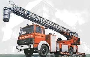 Italeri 3784 Iveco Magirus DLK 26-12 Fire Ladder Truck