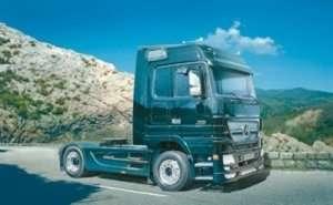 Italeri 3841 Ciężarówka Mercedes-Benz Actros - Black Edition