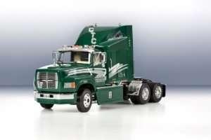 Italeri 3891 Samochód ciężarowy Ford Aeromax 106