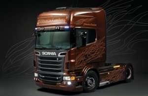 Italeri 3897 Scania R730 Black Amber