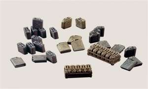 Italeri 402 Jerry cans