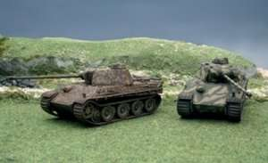 Italeri 7504 Pz.Kpfw.V Panther Ausf.G - 2 modele