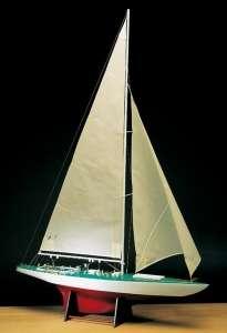 Jacht Constellation  Amati 170080 drewniany model w skali 1:35