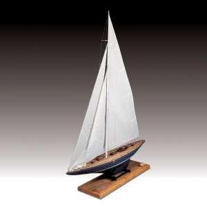 Jacht Endeavour - Amati 170082 - drewniany model w skali 1:35