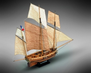 Le Coureur Lugier korsarski Mamoli MV38 drewniany model okrętu w skali 1-54