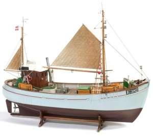 Łódź rybacka Mary Ann BB472 drewniany statek 1-33