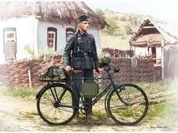 MB 35171 Niemiecki żołnierz z rowerem (fototrawione elementy) - WWII