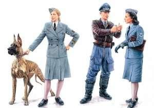 MB 3557 Women at War: Germany, Luftwaffe Helferinnen