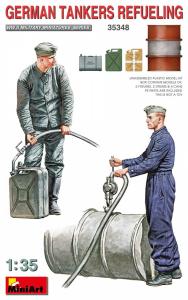MiniArt 35348 Figurki niemieccy żołnierze podczas tankowania