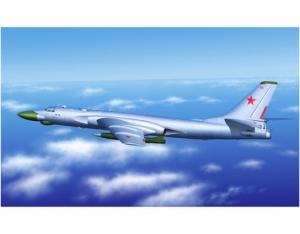 Model bombowca TU-16K-10 Badger-C Trumpeter 03908