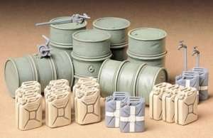 Tamiya 35186 German Fuel Drum Set