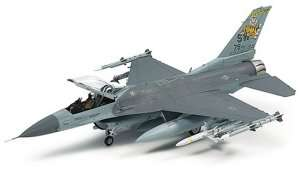Tamiya 60788 Lockheed Martin F-16  Fighting Falcon w/Full Equipment