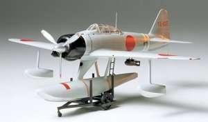 Tamiya 61017 Nakajima A6M2N Type 2 (Rufe)