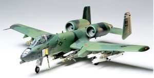 Tamiya 61028 Fairchild Republic A-10A Thunderbolt II