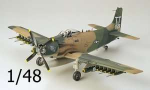 Tamiya 61073 Douglas A-1J Skyrider U.S. Air Force