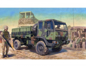 Trumpeter 01004 M1078 LMTV Standard Cargo Truck