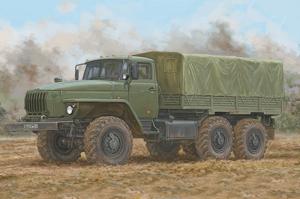 Trumpeter 01072 Ciężarówka URAL-4320 model 1-35