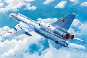 Trumpeter 01695 Samolot Tu-22 Blinder skala 1-72